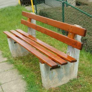 Erneuerte Sitzbank
